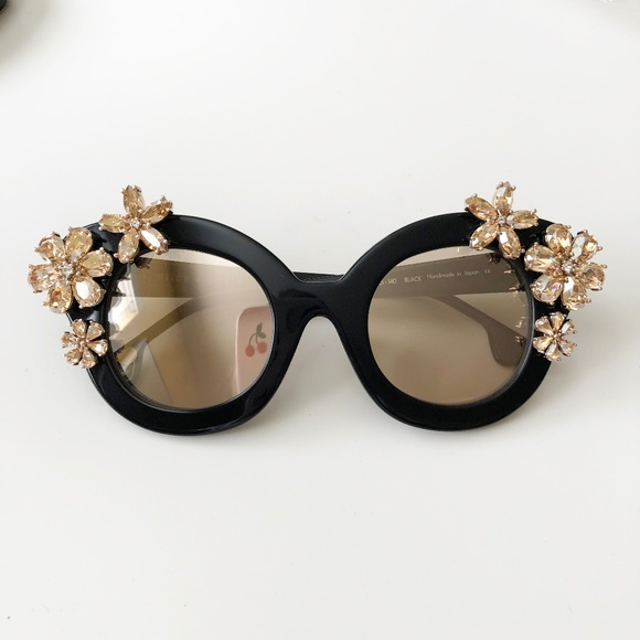 c30ef1d90b Alice + Olivia Accessories - alice + olivia Madison Floral Sunglasses